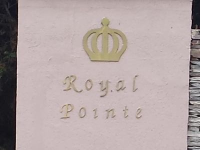 Royal Pointe